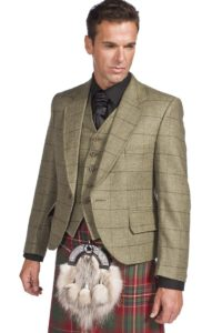Tweed kilt jackets look fashionable with a kilt.