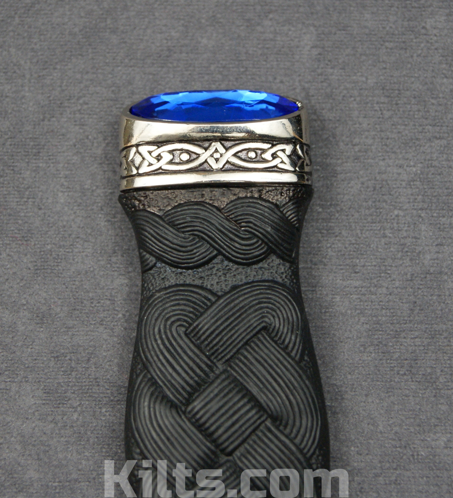 Looking for a Sapphire Sgian Dubh or Sapphire Kilt Knife?