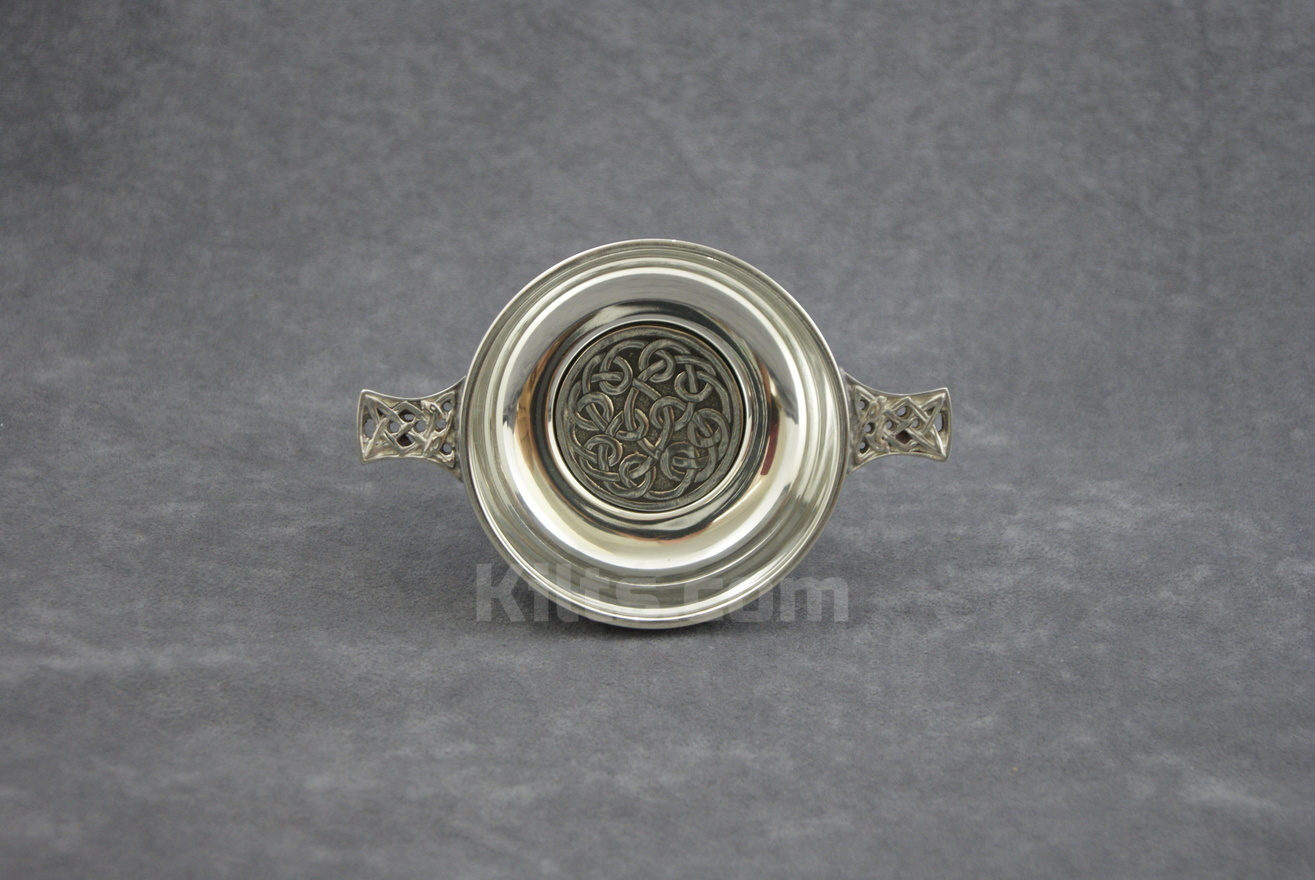 This is the best Circular Knot Work Quaich for Weddings for sale.