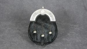 Great quality Classic Black Dress Sporran for sale. The perfect Scottish kilt sporran for sale.